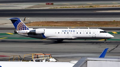 A picture of N915SW - Mitsubishi CRJ200ER - United Airlines - © Rocky Wang
