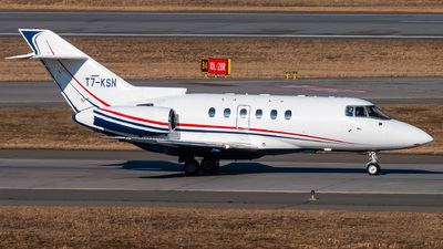 T7-KSN - Hawker Beechcraft 900XP - Private