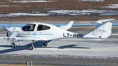 LY-PUG - Diamond DA-40NG Diamond Star - Airhub Flight School