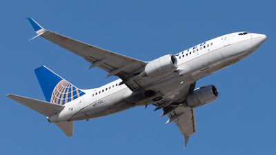 A picture of N17752 - Boeing 73771Q - United Airlines - © Yixin Chen