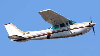 JA3881 - Cessna 172RG Cutlass RG II - Private