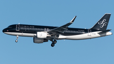 A picture of JA22MC - Airbus A320214 - Starflyer - © Yoshio Yamagishi