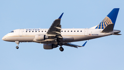A picture of N654RW - Embraer E170SE - United Airlines - © Martin Pinnau