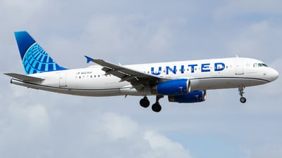 N423UA - Airbus A320-232 - United Airlines