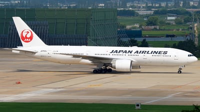 JA703J - Boeing 777-246(ER) - Japan Airlines (JAL)