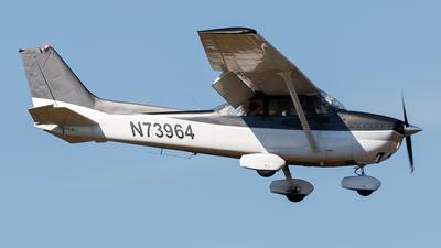 A picture of N73964 - Cessna 172N Skyhawk - [17267766] - © Oliver Richter