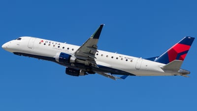 A picture of N295SY - Embraer E175LR - Delta Air Lines - © Issac