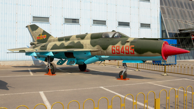 69495 - Chengdu J-7 - China - Air Force