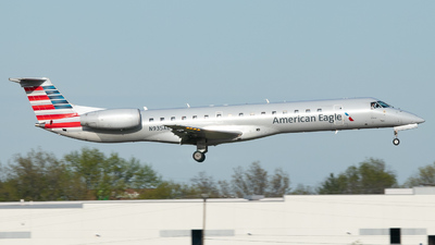 A picture of N935AE - Embraer ERJ145LR - American Airlines - © Erik Goodfellow
