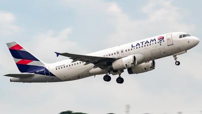A picture of CCCQO - Airbus A320233 - LATAM Airlines - © fachetti_spotter