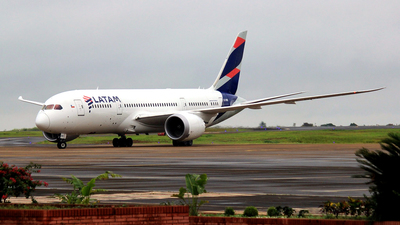 A picture of CCBBE - Boeing 7878 Dreamliner - LATAM Airlines - © Rogério A. Avelino