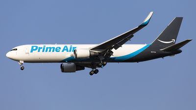 N1373A - Boeing 767-31K(ER) - Amazon Prime Air