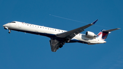 A picture of N135EV - Mitsubishi CRJ900LR - Delta Air Lines - © Yan777