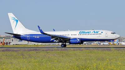 YR-BME - Boeing 737-86N - Blue Air