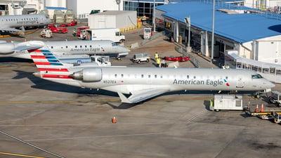 A picture of N527EA - Mitsubishi CRJ702ER - American Airlines - © Yan777