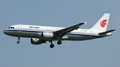 A picture of B6846 - Airbus A320214 - Air China - © King Wang