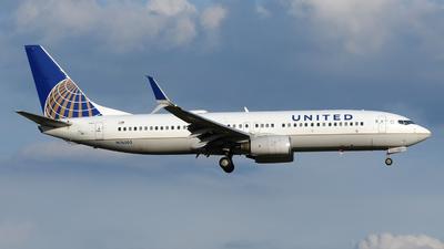 N76505 - Boeing 737-824 - United Airlines