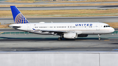 N425UA - Airbus A320-232 - United Airlines