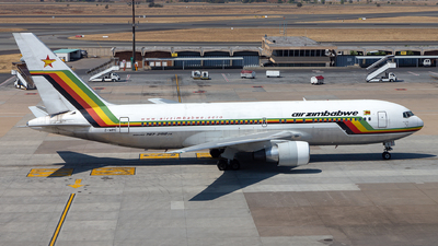 A picture of ZWPE - Boeing 7672N0(ER) - [24713] - © Sebastian Sowa