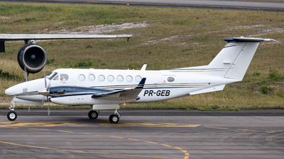 PR-GEB - Beechcraft B300 King Air 350 - Rico Táxi Aéreo