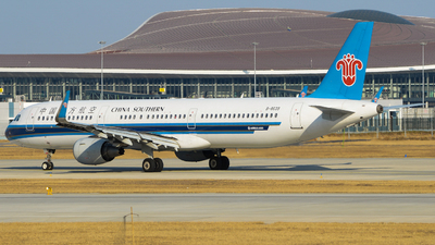 A picture of B8639 - Airbus A321211 - China Southern Airlines - © Doraemon_rqs