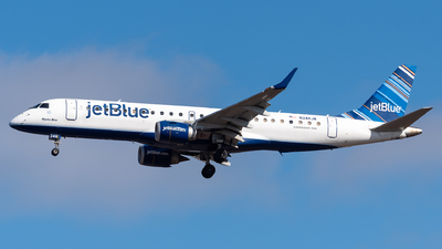 A picture of N348JB - Embraer E190AR - JetBlue Airways - © Evan Dougherty