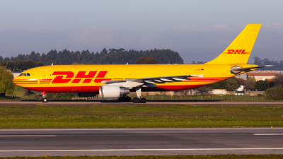 A picture of DAEAI - Airbus A300B4622R(F) - DHL - © Carlos Miguel Seabra
