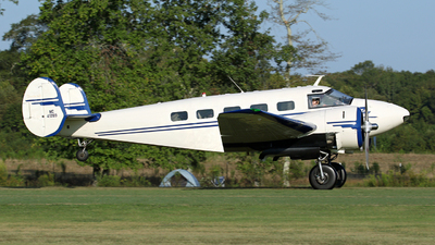 NC41289 - Beech D18S - Private