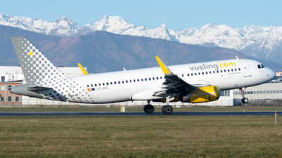 EC-MFK - Airbus A320-232 - Vueling Airlines