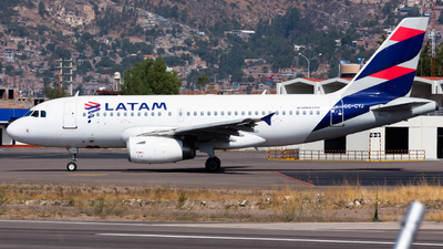 CC-CYJ - Airbus A319-132 - LATAM Airlines