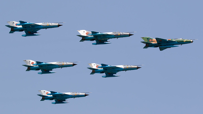 9541 - Mikoyan-Gurevich MiG-21UM Lancer B - Romania - Air Force