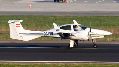 OE-FLU - Diamond DA-42 Twin Star - Private