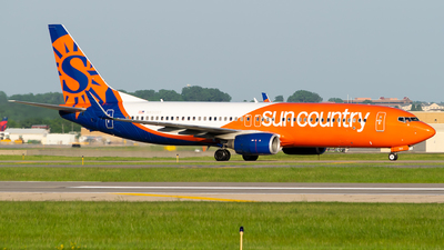 A picture of N830SY - Boeing 73783N - Sun Country Airlines - © Steve Rinde