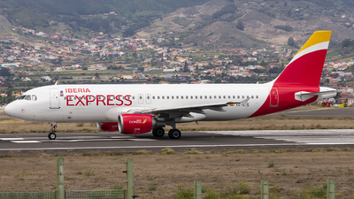 EC-LLE - Airbus A320-214 - Iberia Express