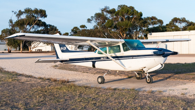 VH-LDK - Cessna 172RG Cutlass RG II - Private