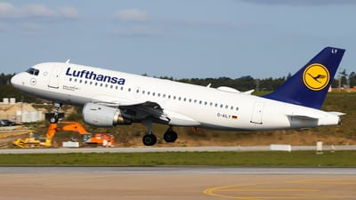 A picture of DAILY - Airbus A319114 - Lufthansa - © Luciano Silva