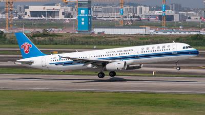 A picture of B6317 - Airbus A321231 - China Southern Airlines - © Shiori Daredemo Daisuki