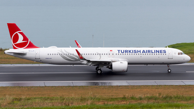 A picture of TCLTI - Airbus A321271NX - Turkish Airlines - © Alperen Yeni