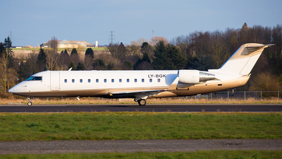 LY-BGK - Bombardier CL-600-2B19 Challenger 850 - Sirius-Aero
