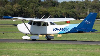 VH-EWX - Cessna 172S Skyhawk SP - Oxford Aviation Academy (Australia)