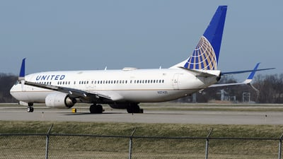 A picture of N27421 - Boeing 737924(ER) - United Airlines - © DJ Reed - OPShots Photo Team