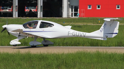 F-GUVV - Diamond DA-40D Diamond Star TDI - European Aero Training Institute Strasbourg (E.A.T.I.S)