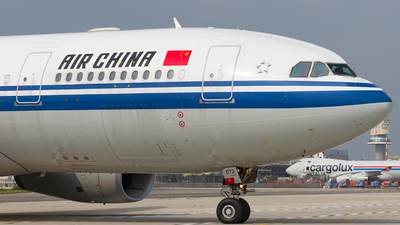 B-6073 - Airbus A330-243 - Air China