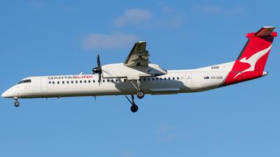 A picture of VHQOX - De Havilland Canada Dash 8400 - QantasLink - © ChrisLait