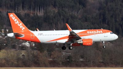 G-EZRY - Airbus A320-214 - easyJet