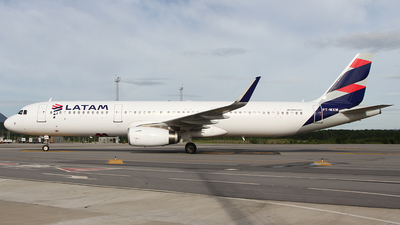 A picture of PTMXM - Airbus A321231 - LATAM Airlines - © Bruno Orofino