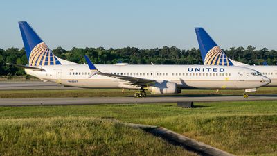 A picture of N68807 - Boeing 737924(ER) - United Airlines - © Positive Rate Photography