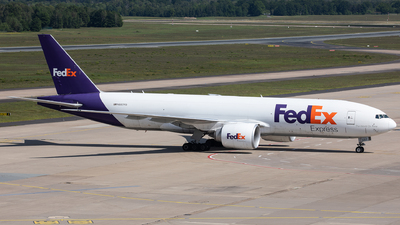 A picture of N887FD - Boeing 777FS2 - FedEx - © Oliver Sänger