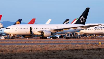 JA712A - Boeing 777-281 - Untitled