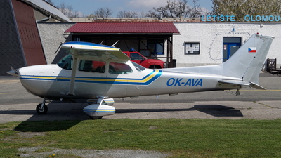A picture of OKAVA - Cessna 172N Skyhawk - [17271965] - © Václav Kudela